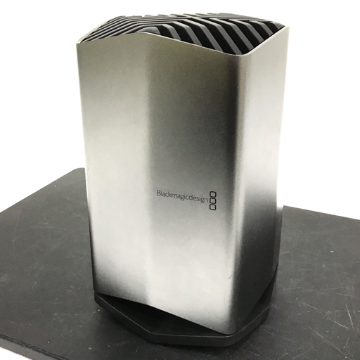 1円 Blackmagicdesign Blackmagic eGPU RX580 外付けGPU 動作確認済